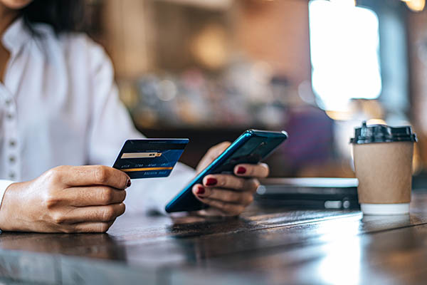Una tienda online debe estar adaptada a móviles.